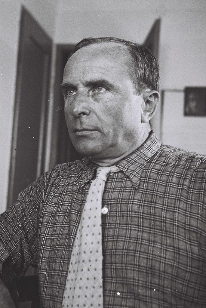 Writer Avigdor Hameiri Dies