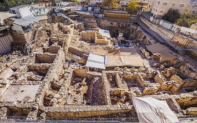 Archaeologists, Haredim Battle in City of David